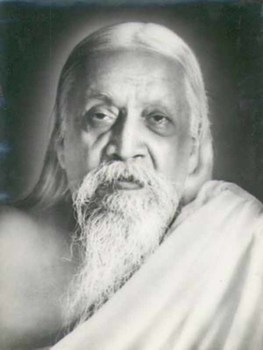 Sri Aurobindo enlightened spiritual teacher and author of many books including Integral Yoga